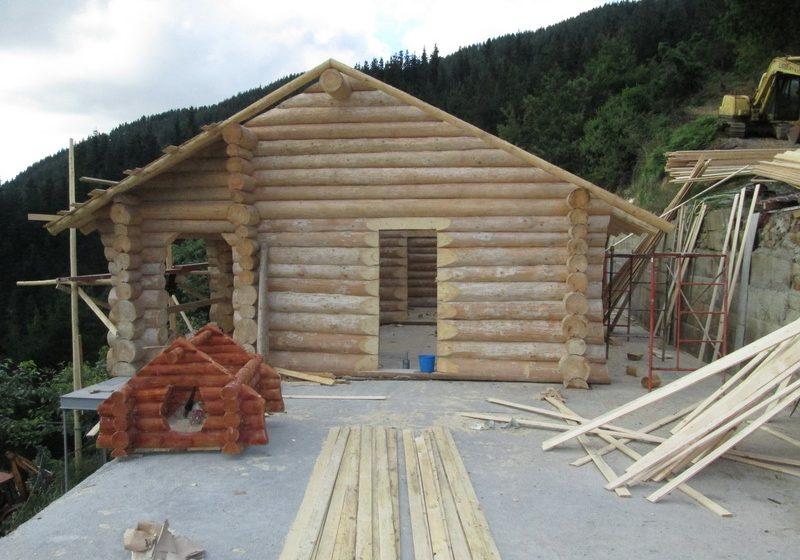 Cabana lemn rotund si foisor Bilbao, Spania
