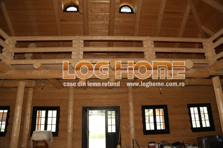 Galerie foto case si cabane din lemn rotund log home for Www loghome com