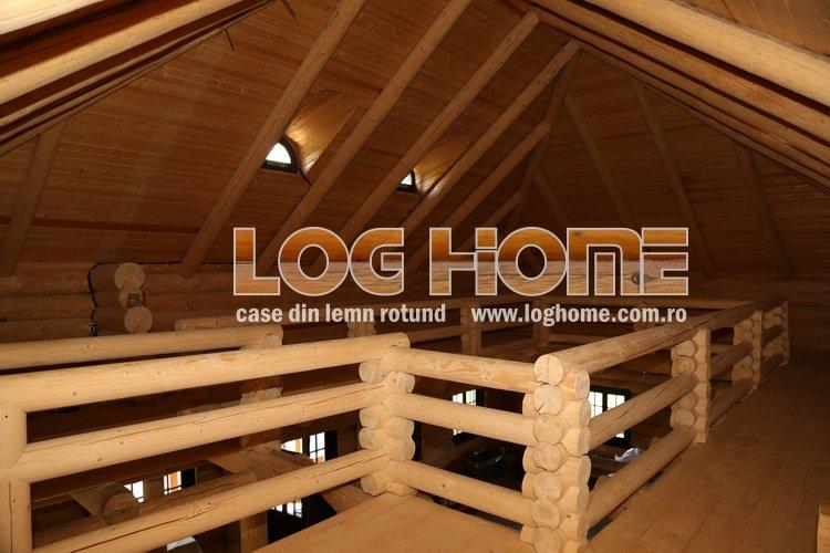cabane din lemn rotund busteni log home vatra dornei