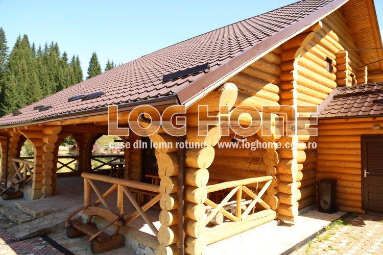 Cabane din lemn rotund busteni log home vatra dornei for Case de lemn rotund