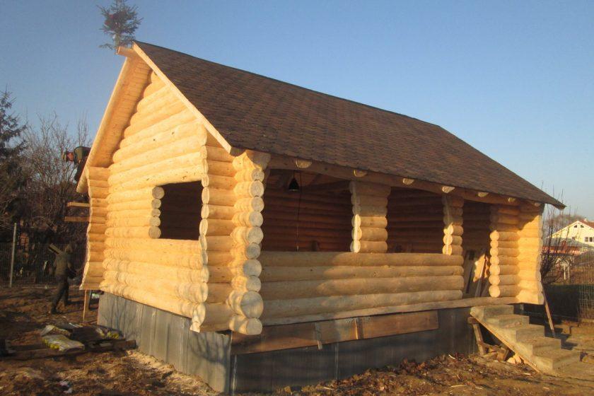 Cabana din lemn rotund tip foisor in Bragadiru, Bucuresti