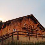 cabane din lemn rotund