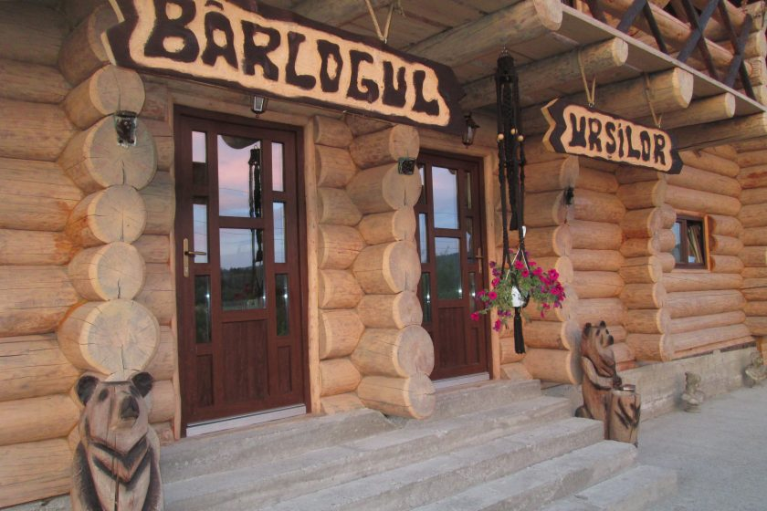Cabana Restaurant lemn rotund Barlogul Ursilor