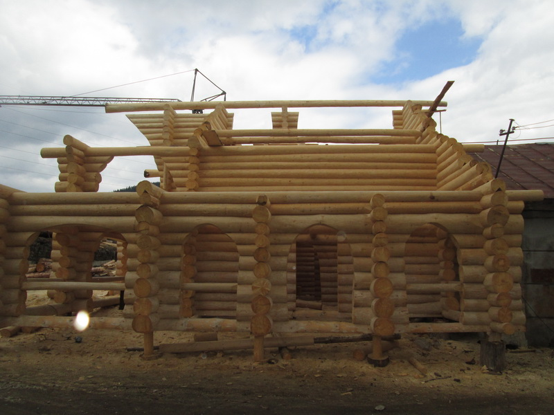 Case din bu teni la intrare n vatra dornei log home for Www loghome com