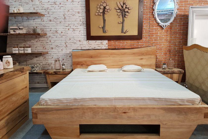 mobila dormitor din lemn masiv